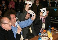 Кроме главного судьи кофейные алкогольные напитки оценивали Станислав...